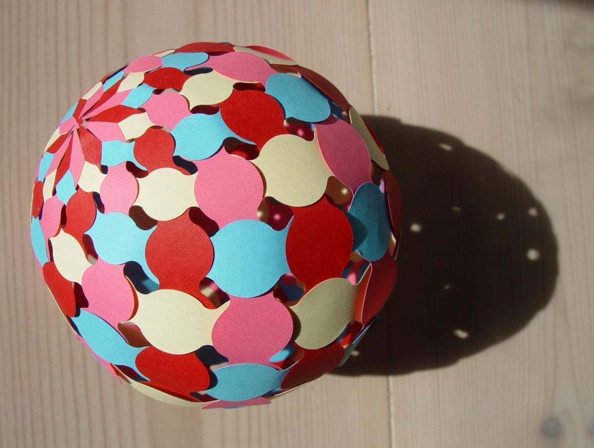 Bubble Wonders Show >> Sphere #003 | PaperMatrix